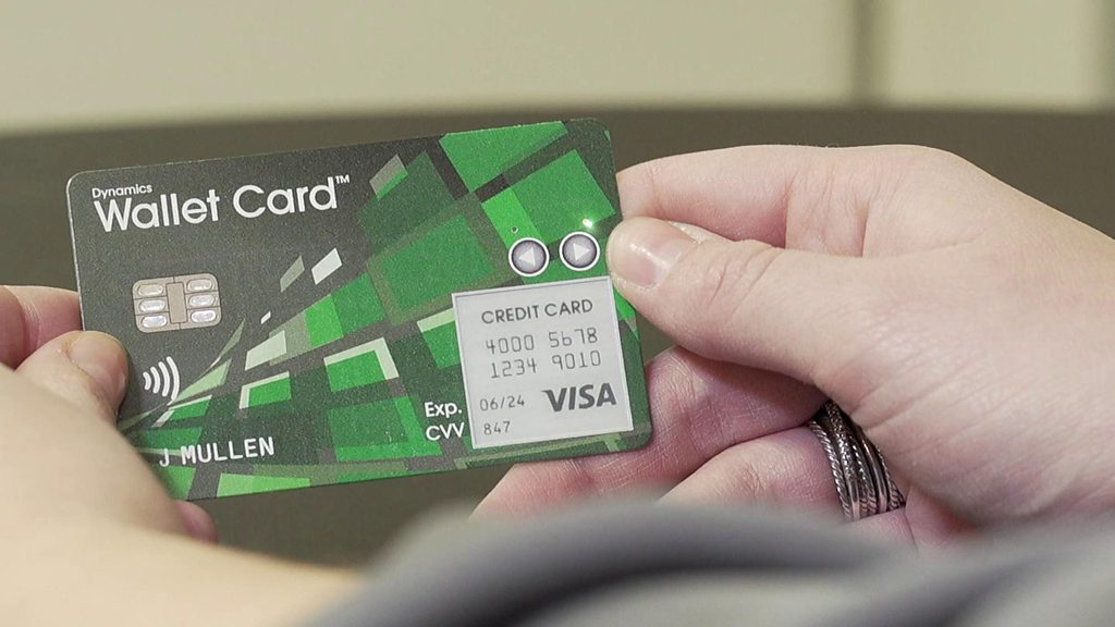 Smart Wallet Card Shows Adverts From Banks